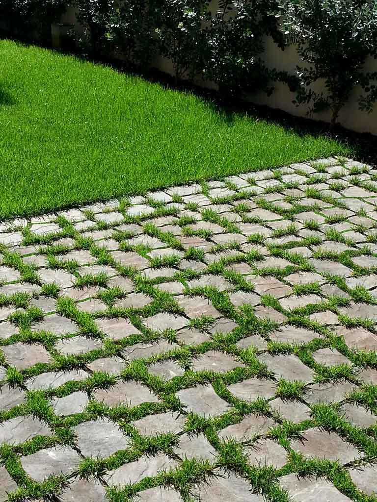 Paviblok grigliati erbosi e drenanti - Pavimentazione giardino autobloccanti ...